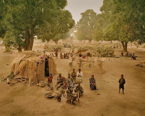 The unorganized camp at Moro in the Province of Moyen Chari, in southern Chad, 25km north of the border with the Central African Republic. In May 2003, at this location there were 6,000 of the approximately 30,000 CAR refugees in Chad. © Simon Norfolk