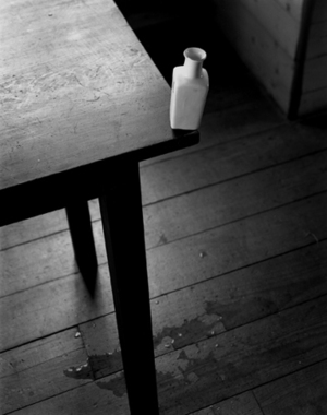 Small Vase at the Edge of a Table, 2002 © Abelardo Morell
