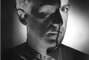 Cecil Beaton, 1946. Gelatin silver print. Vintage print. Private collection, Switzerland © The Estate of Erwin Blumenfeld