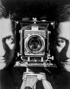 Self-Portrait, Paris, ca. 1937. Gelatin silver print. Printed later. Collection Helaine and Yorick Blumenfeld © The Estate of Erwin Blumenfeld