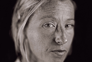 """Cindy Sherman by Chuck Close. From """"A Couple of Ways of Doing Something"""" (Aperture, 2006)"""
