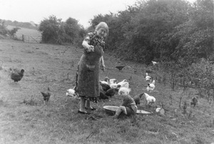 "Granny Feeding the Hens. From the exhibition ""Landscapes"" © Tom Wood"