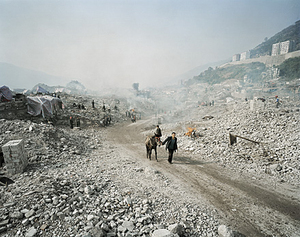 Three Gorges Dam Project, Feng Jie #5, Yangtze River, China 2002 © Edward Burtynsky