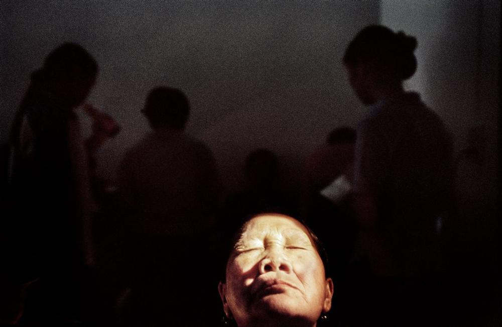 Lampang, Thailand, 2005. A medical examination in Wuang Nua Hospital.