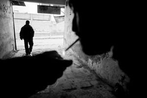 © Maciej Moskwa/TESTIGO.pl Journalists smoking cigarettes in Maarrat Al-Nouman, February 2013, Idlib province.