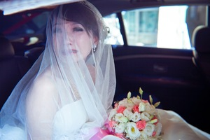 Emotional outpouring of bride © Yao Wang Chong, Taiwan. Shortlist, Split Second, Open Competition. 2014 Sony World Photography Awards