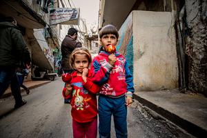 Gypsy children on Helal Street. Seven percent of the population of Shitila are gypsies. 2013 © Gloriann Liu