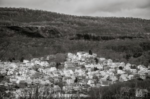 Anthracite tailings and houses, Shamokin, PA © Shaun O'Boyle