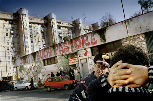 Scampia during the Camorra war, Napoli, December 2004, © Emiliano Mancuso